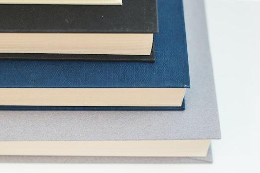 Kostenloses Stock Foto zu blau, bücher, abstrakt, grau