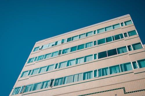 Безкоштовне стокове фото на тему «архітектура, багатоповерхова будівля, Будівля, візерунок»