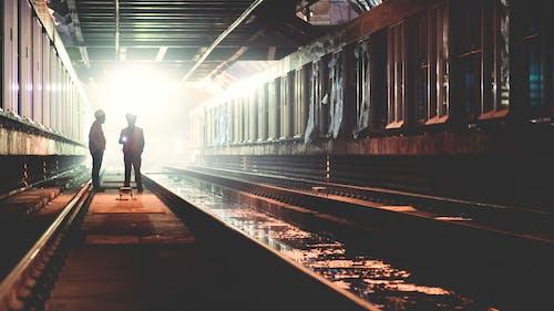Kostnadsfri bild av arbetare, infrastruktur, konstruktion, ljus