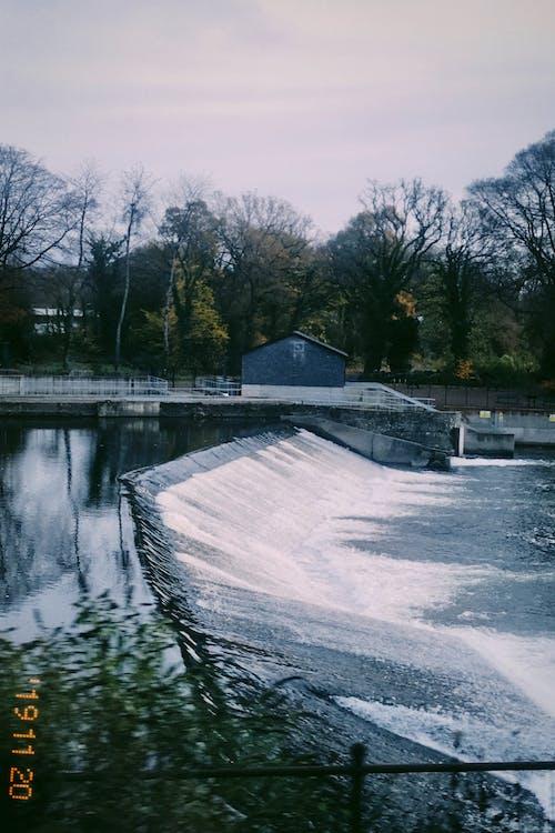 Бесплатное стоковое фото с вода, водослив, голубой
