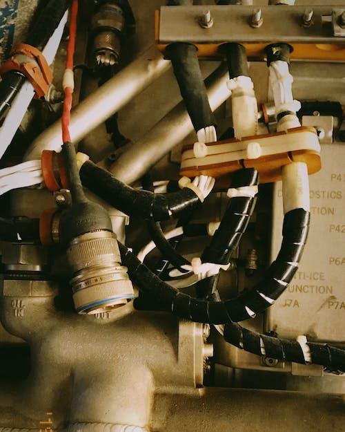 Бесплатное стоковое фото с двигатель, кабели, металл