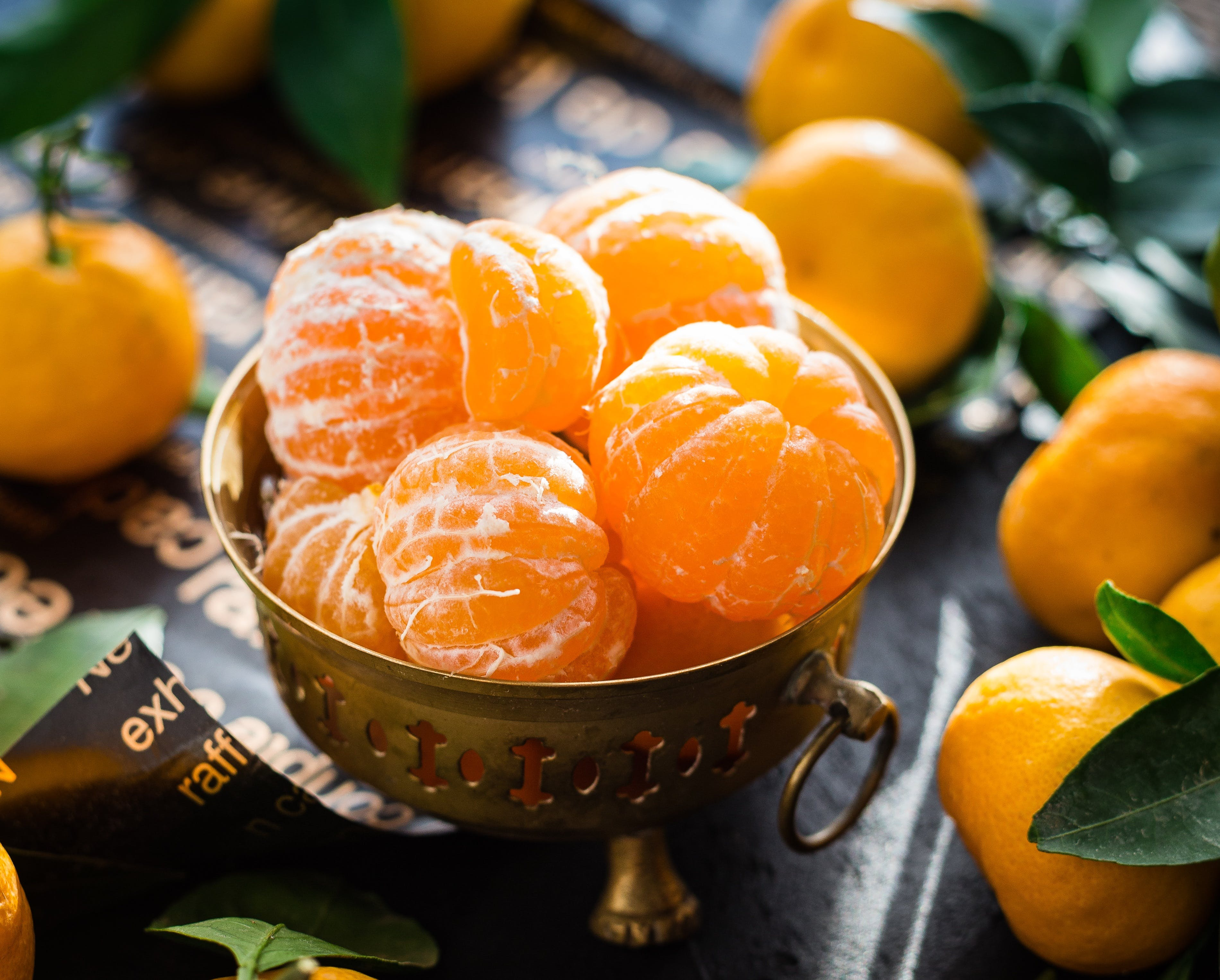 Kostenloses Stock Foto zu essen, tisch, blatt, orange