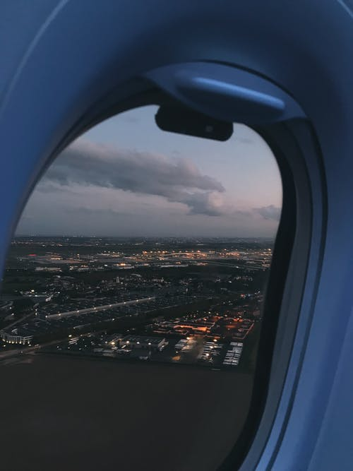 Бесплатное стоковое фото с Аэропорт, вода, дневной свет, закат