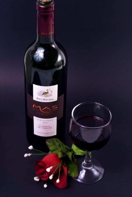 Gratis lagerfoto af røde roser, rødvin