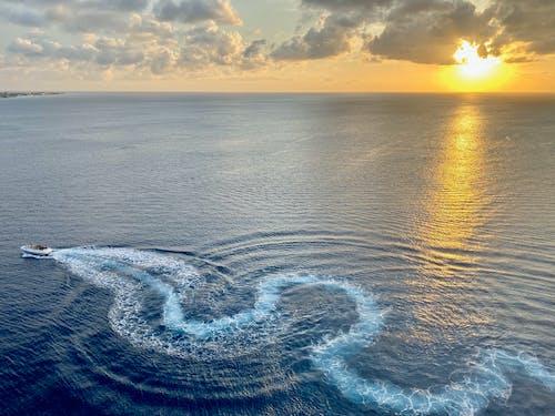 Free stock photo of aruba, blue waves, boat, caribbean