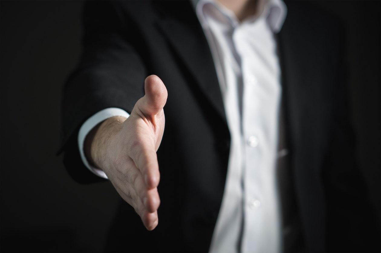 hand shake salesman