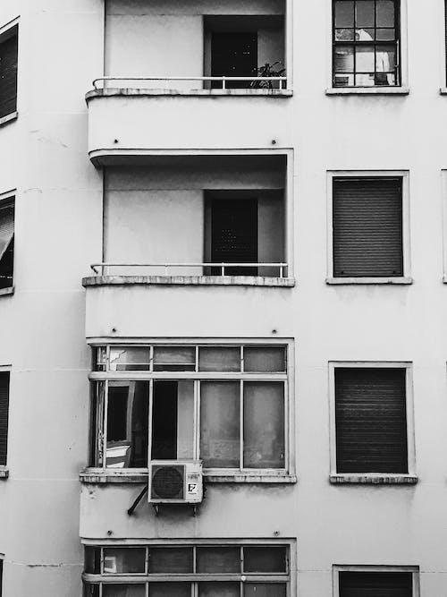 Fotobanka sbezplatnými fotkami na tému apartmány, architektúra, balkóny