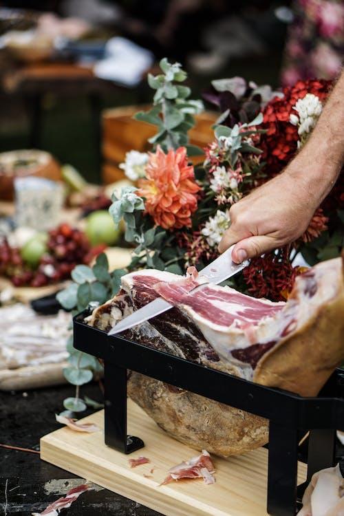 Foto stok gratis bunga-bunga, daging, makanan, mengiris