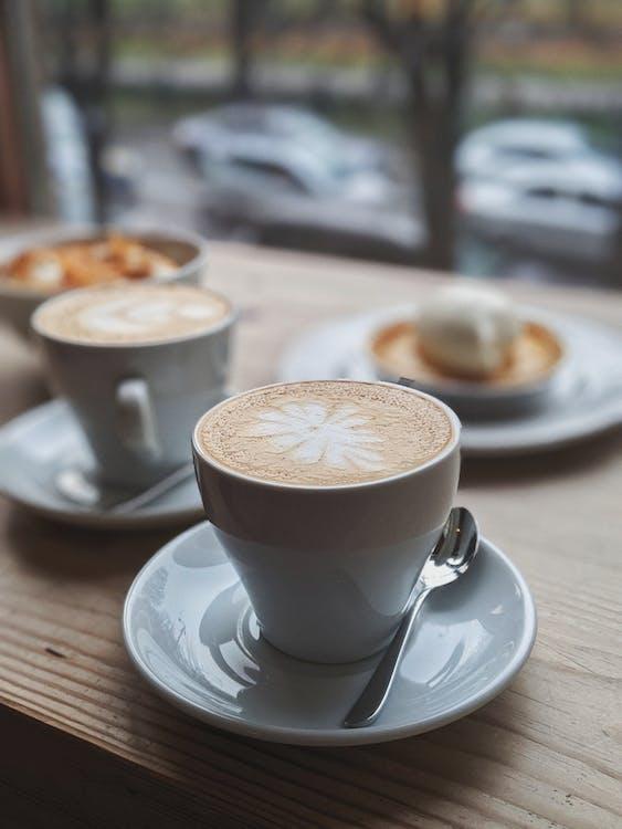 cappuccino, drewniany, drewniany stół
