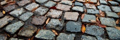 圓石, 殖民, 磚路, 秋天的心情 的 免費圖庫相片