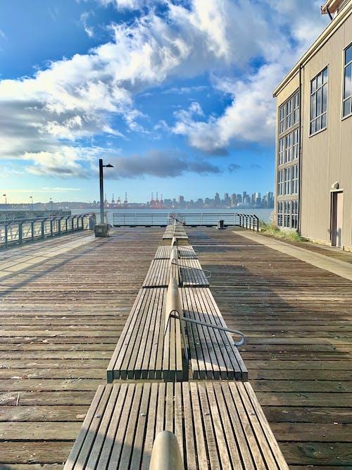 banklar, liman, okyanus, rıhtım içeren Ücretsiz stok fotoğraf