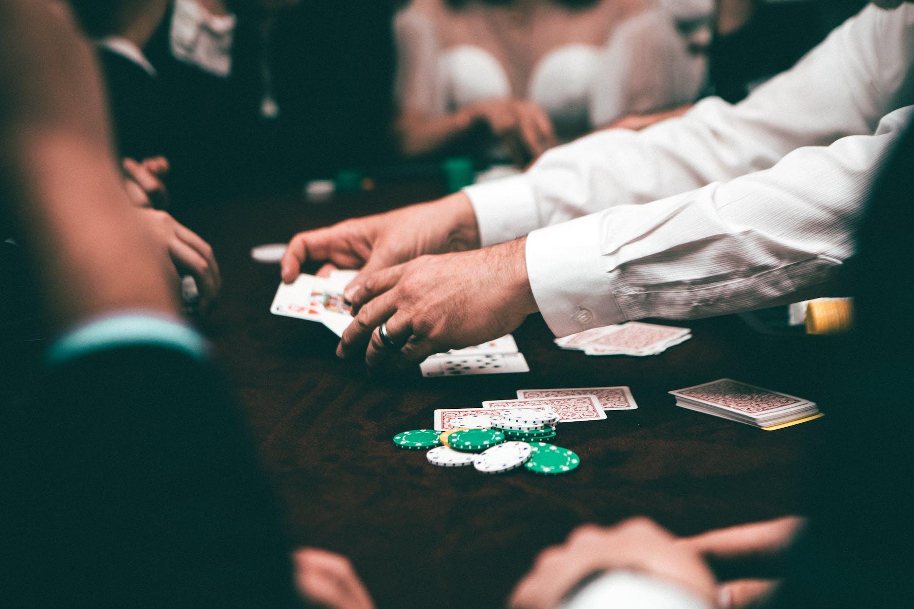 Een pokerspel dat wordt gedeeld