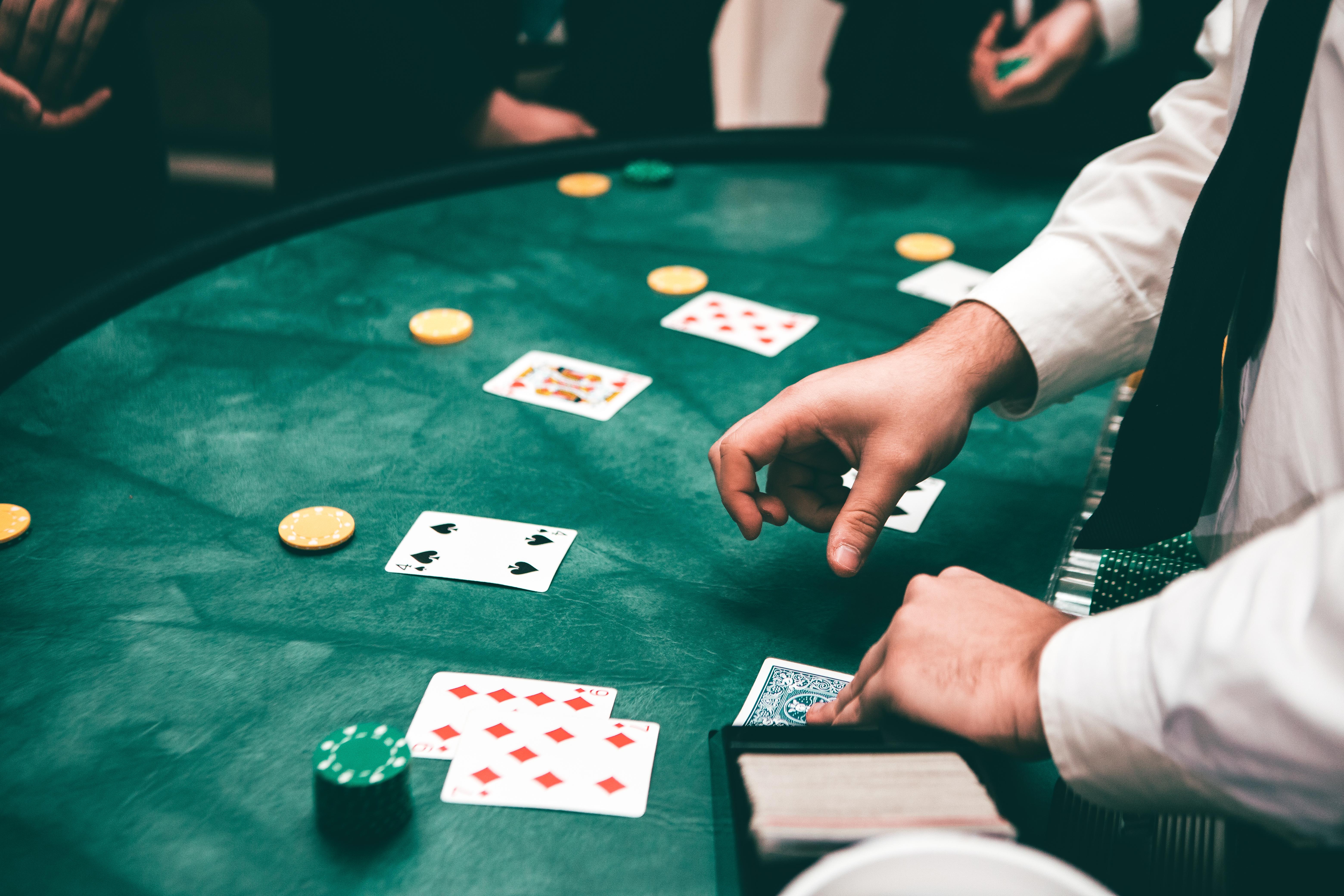 Blackjack ist eines von James Bonds größten Hobbys und passt perfekt auf die Mottoparty.
