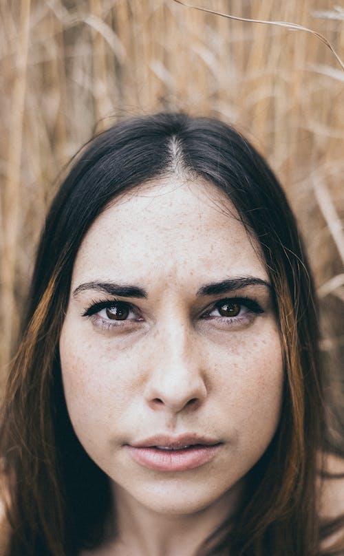 Fotobanka sbezplatnými fotkami na tému krásna, krásna žena, na zvislo, pohľad