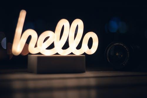 간판, 네온, 네온 글로우, 따뜻한 빛의 무료 스톡 사진