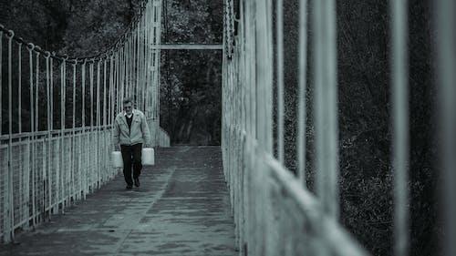 adam, insanlar, kişi, köprü içeren Ücretsiz stok fotoğraf