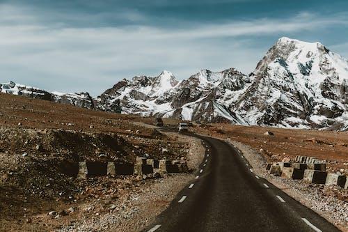 Základová fotografie zdarma na téma asfalt, cestování, hora, krajina