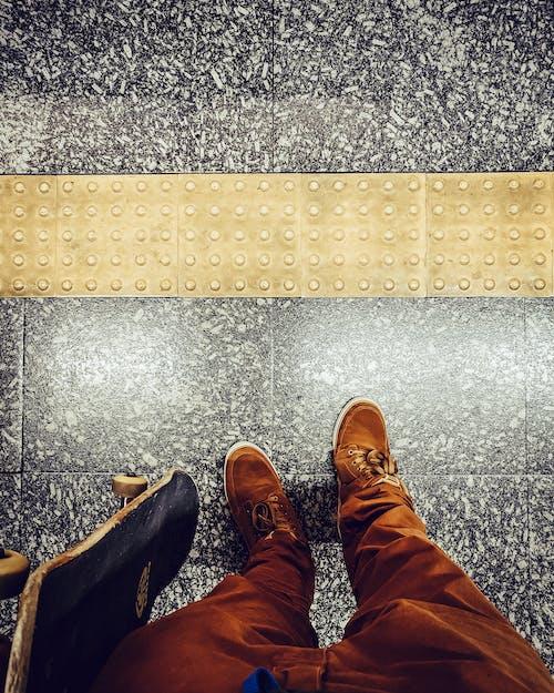 Gratis stockfoto met metro, skateboarden, skateboarders