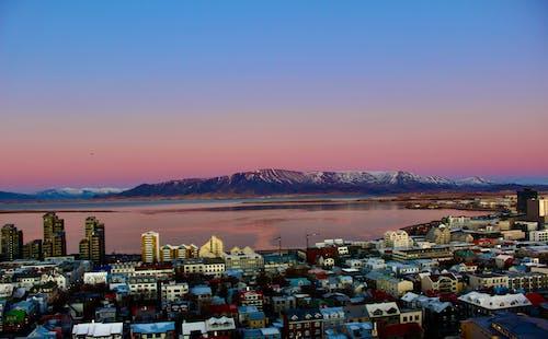 Fotobanka sbezplatnými fotkami na tému dramatická obloha, hory, jesenné farby, krásny západ slnka