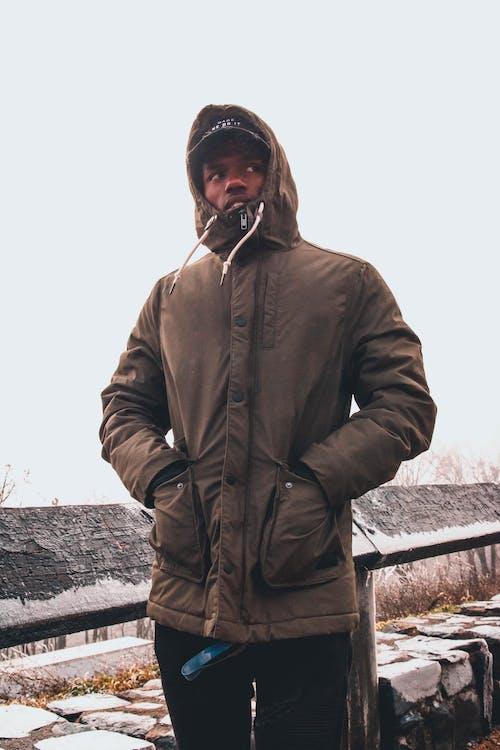 açık hava, adam, afrikalı amerikalı adam, aşındırmak içeren Ücretsiz stok fotoğraf