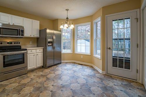 Free stock photo of kitchen, kitchen appliance, kitchen counter, refrigerator