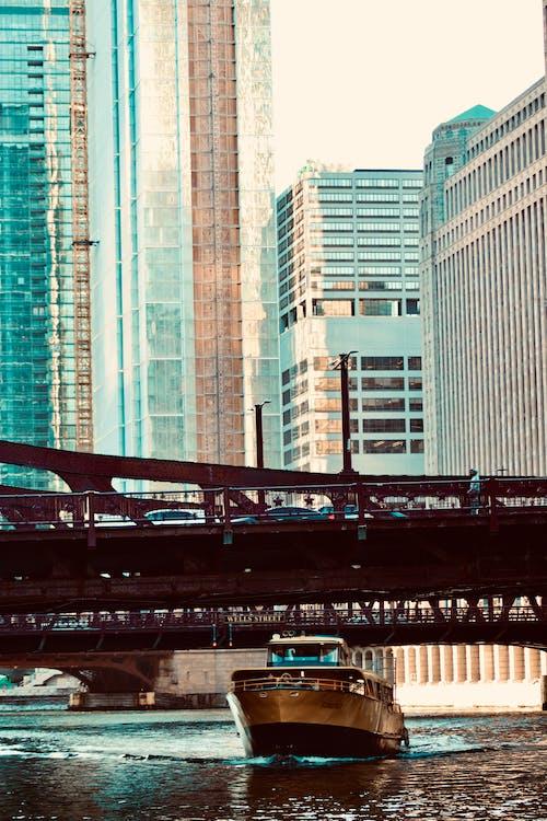 Foto d'estoc gratuïta de barca, chicago, ciutat, pont