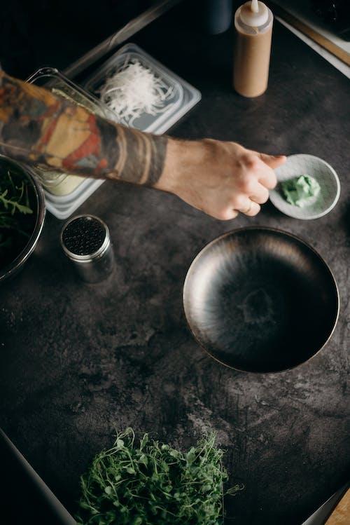 Foto profissional grátis de alimento, atendendo, bacia, chef