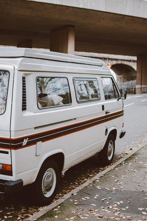 Fotos de stock gratuitas de al aire libre, aparcado, calle, camión