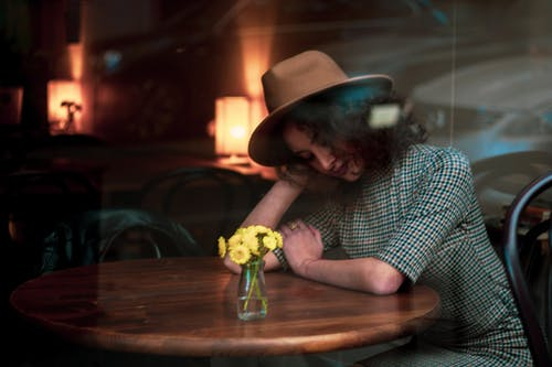 Fotos de stock gratuitas de descansando, mujer, persona, solo
