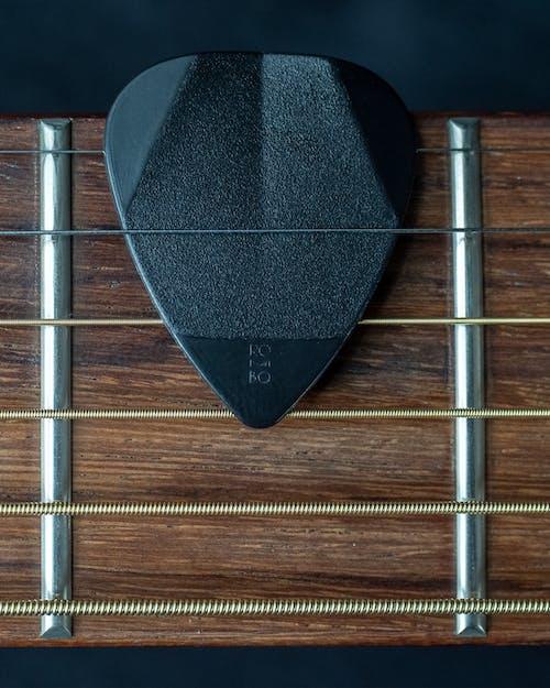 기타 기어, 기타 액세서리, 기타 현, 어쿠스틱 기타의 무료 스톡 사진