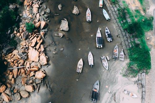 Gratis arkivbilde med båter, dronebilde, elv, flyfoto