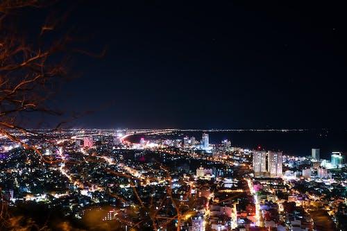 Gratis stockfoto met drone uitzicht, kustplaats, nachtleven, nachtstad