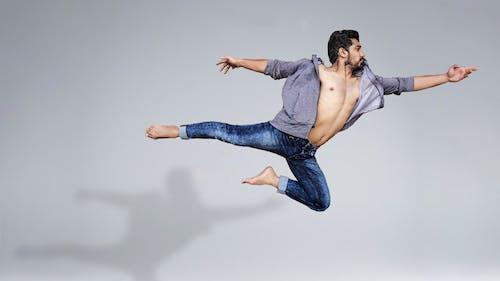 Fotos de stock gratuitas de actuación, agilidad, bailando, bailarín