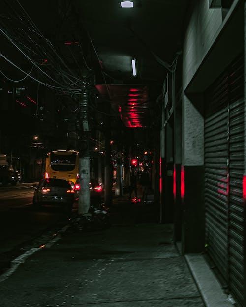 シティ, シャッタードア, ダーク, バスの無料の写真素材