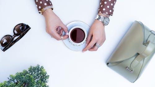 Ingyenes stockfotó bögre, cappuccino, csésze, csészealj témában