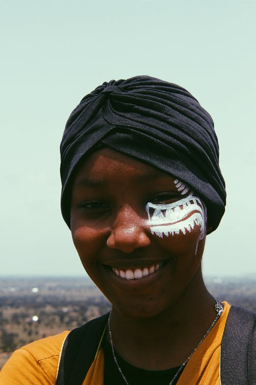 Бесплатное стоковое фото с Взрослый, выражение лица, гламур, головной платок