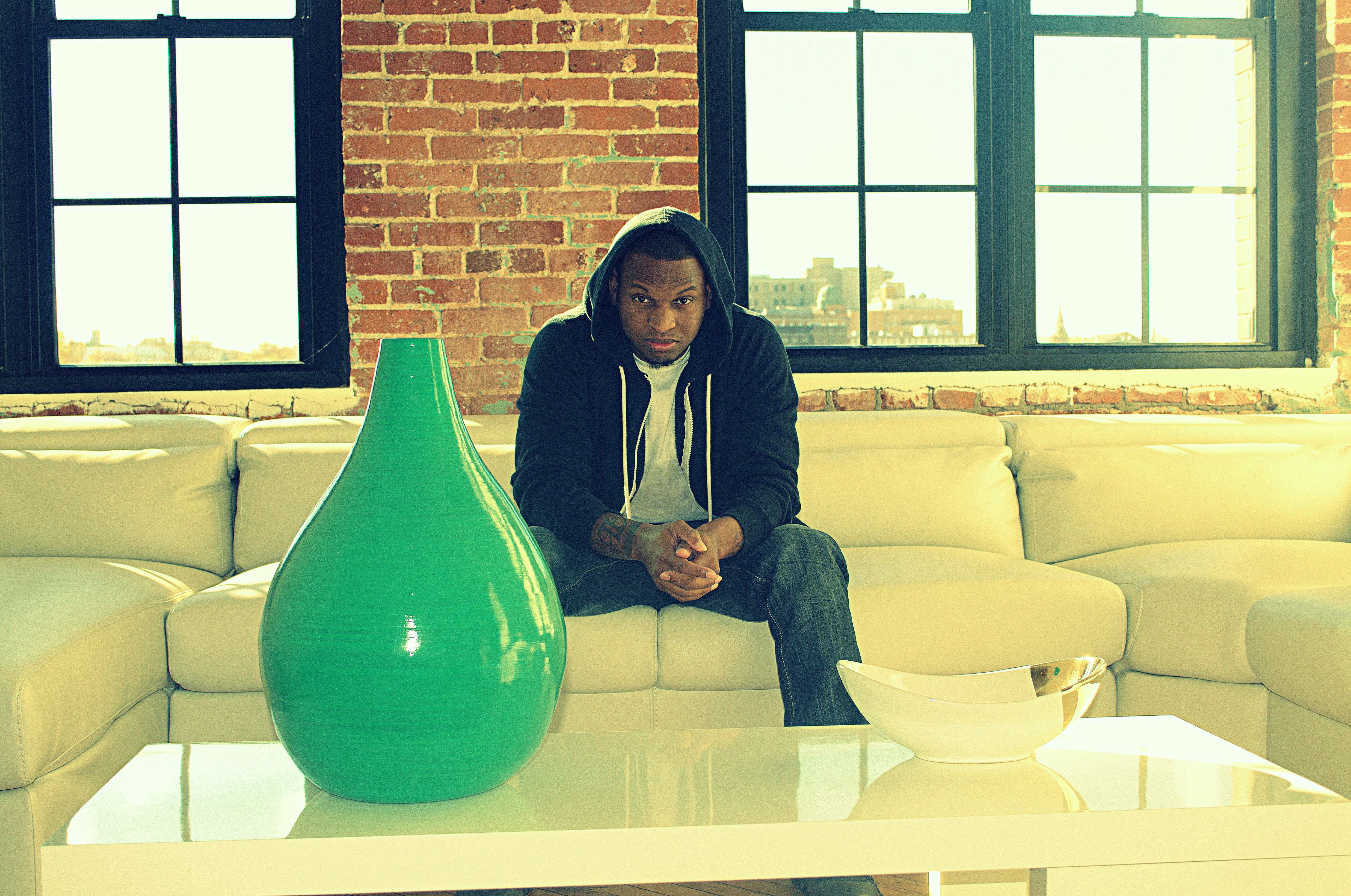 Free stock photo of blackman, brick wall, hoodie, keynotez