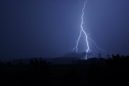 Lightning Jolt during Night Time