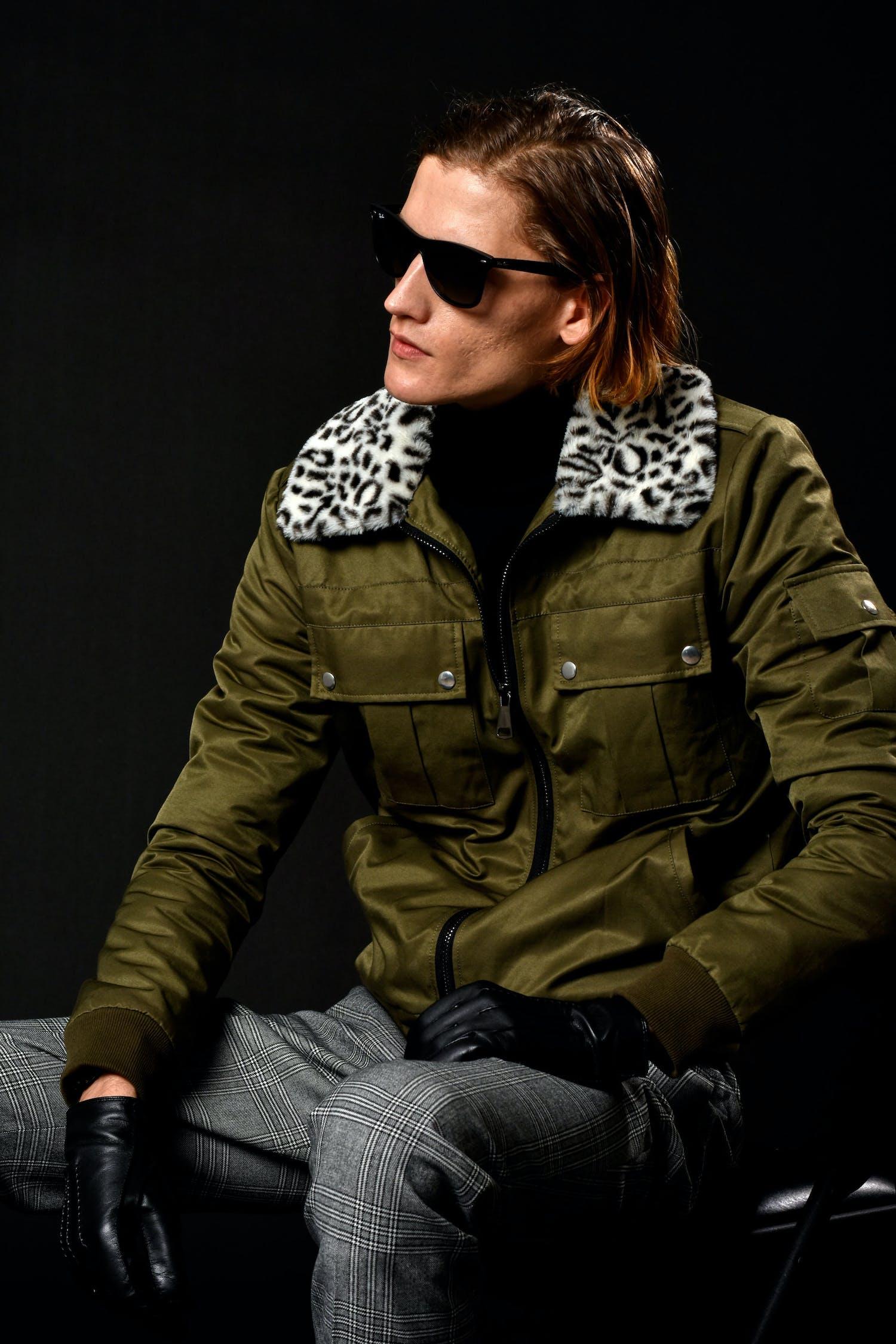 Základová fotografie zdarma na téma bunda, černé pozadí, chladný