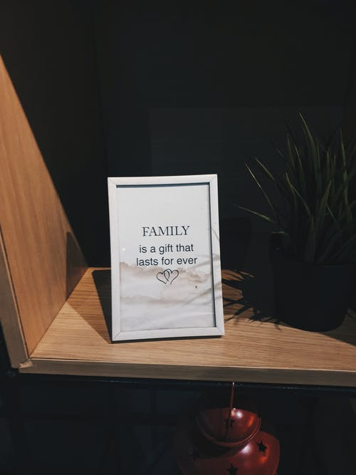 White-framed Family Quote-printed Decorative Frame