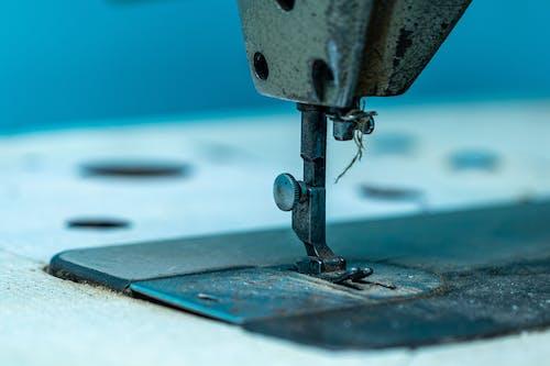 Ilmainen kuvapankkikuva tunnisteilla muotisuunnittelu, ompelu, ompelukone, ompelulangat
