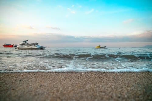 Gratis stockfoto met golven, h2o, jetski, kust