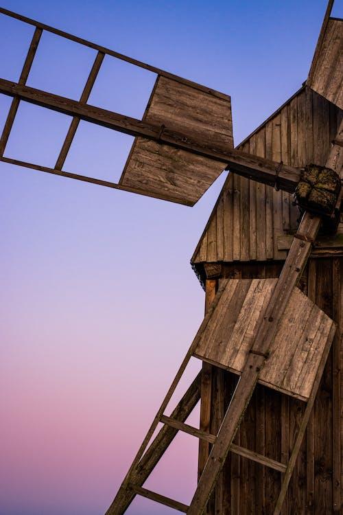 Darmowe zdjęcie z galerii z drewno, fioletowy, krajobraz, młyn