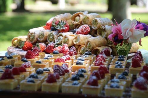 Free stock photo of dessert table