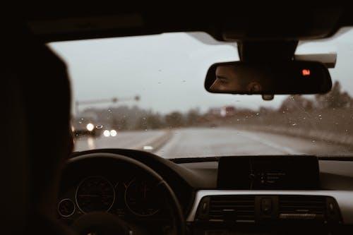 Gratis arkivbilde med bil, bilinteriør, dashbord, fartsmåler