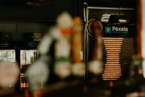 Foto profissional grátis de acontecimento, arquitetura, auge, bar