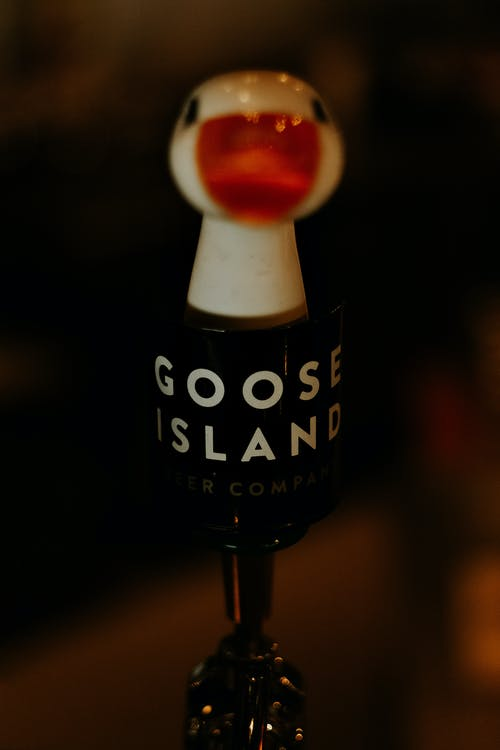 Close-Up Photo of Goose Island Beer Lever