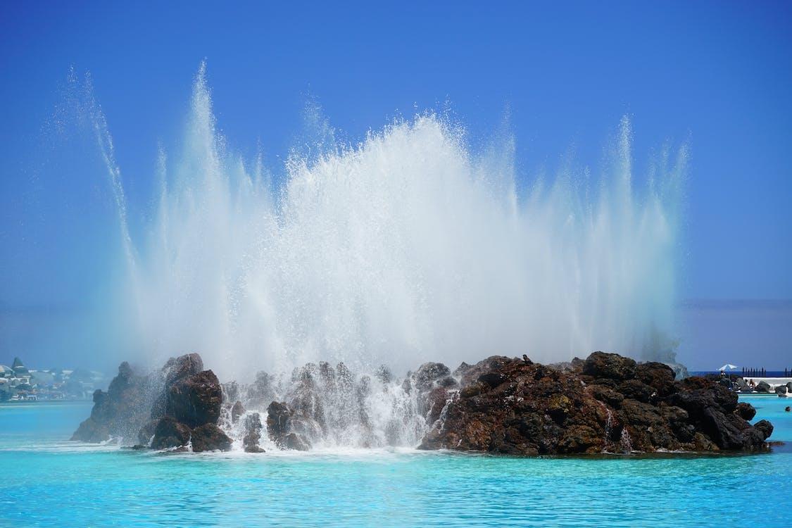 bleu, cailloux, eau