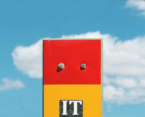 Fotos de stock gratuitas de afuera, amarillo, cielo azul, detalle