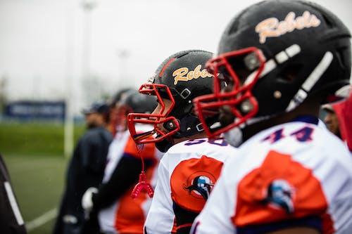 Základová fotografie zdarma na téma akce, americký fotbal, fotbal, fotbalisté